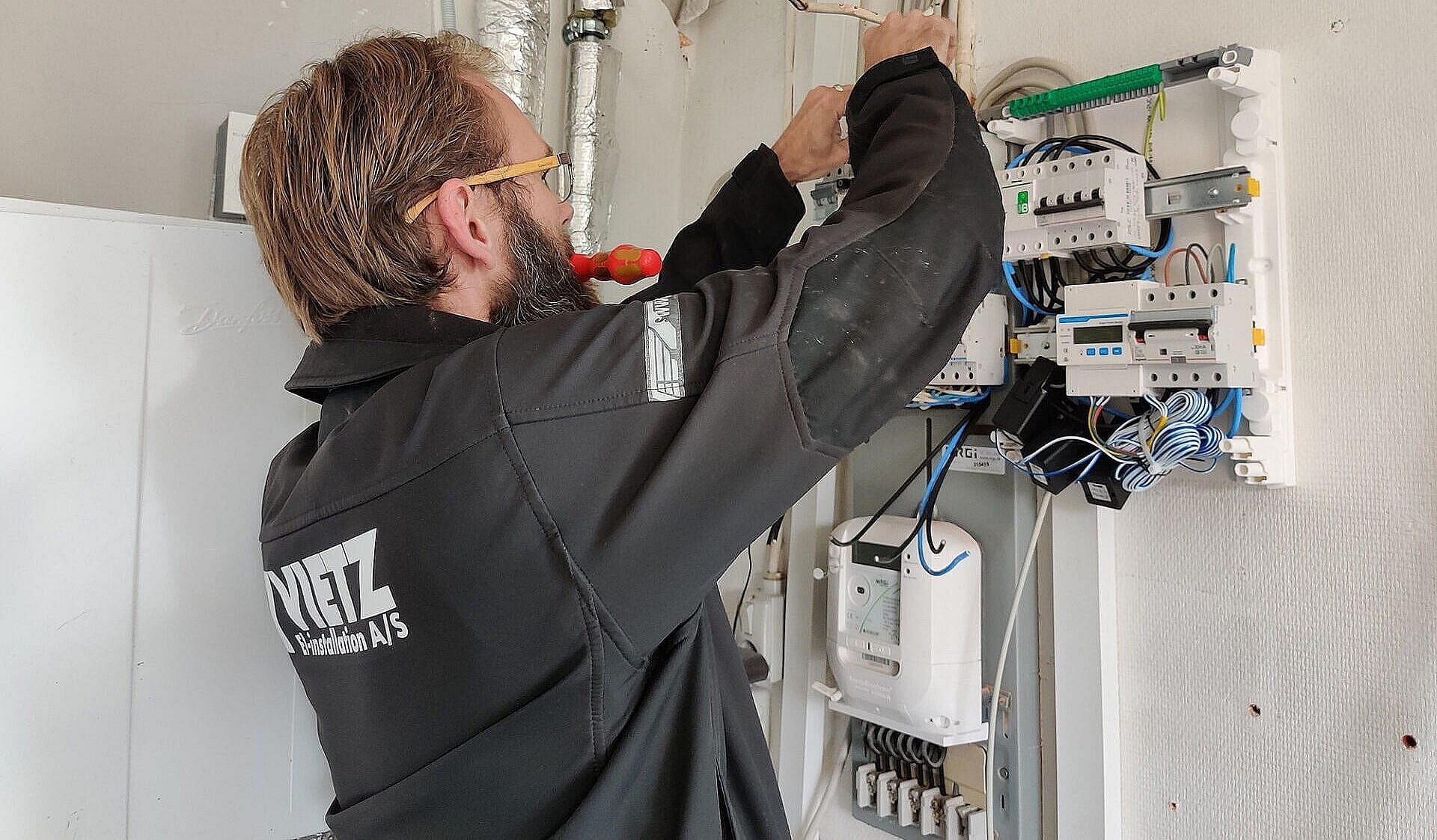 elektriker arbejder i Aarhus